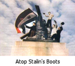 1956 Hungarian Freedom Fighters cut the Stalin Statue off at its boots