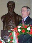 AHF co-President Gyula (Jules) Balogh laying a wreath at the Kossuth bust in the Capitol