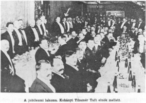 20th anniversary banquet of hte Hungarian-language newspaper, Szabadsag. President Howard Taft and Kohanyi are emphasized by the arrows. (Click for larger)