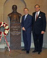 Left to right: Bryan Dawson (AHF Executive Chairman) and Frank Koszorus (AHF President) on the 20th Anniversary of the Dedication of the Kossuth Bust in the US Capitol