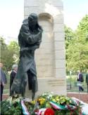 Az amerikai magyarok üdvözlik Esterházy János budapesti szobrának felállítását